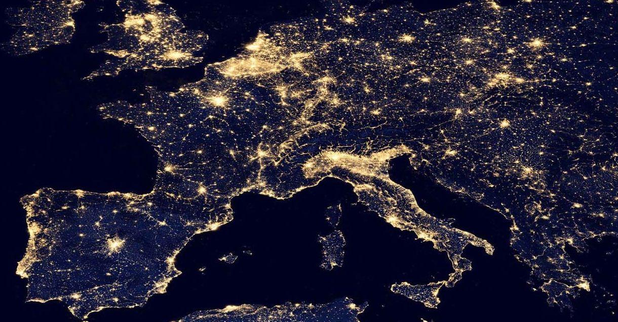 NASA Mapa Mundo Nocturno Mostra Actividade Humana  Final Encounter