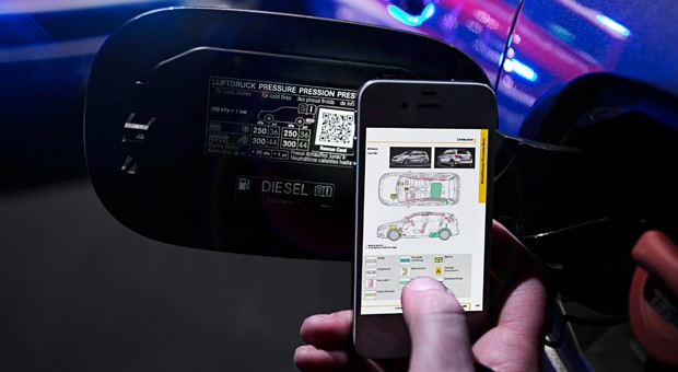 mercedes-benz-qr-code-safety